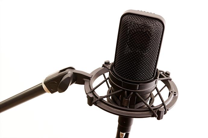 ボーカルマイク、レコーディング、録音、収録、ヘッドホン